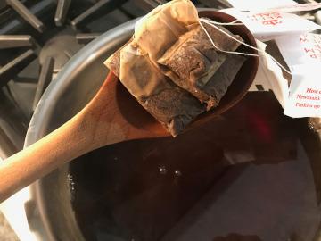 Removing tea bags from kombucha